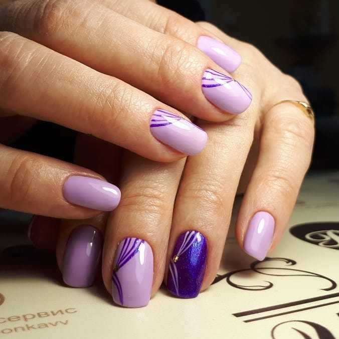 фиолетовый зимний маникюр