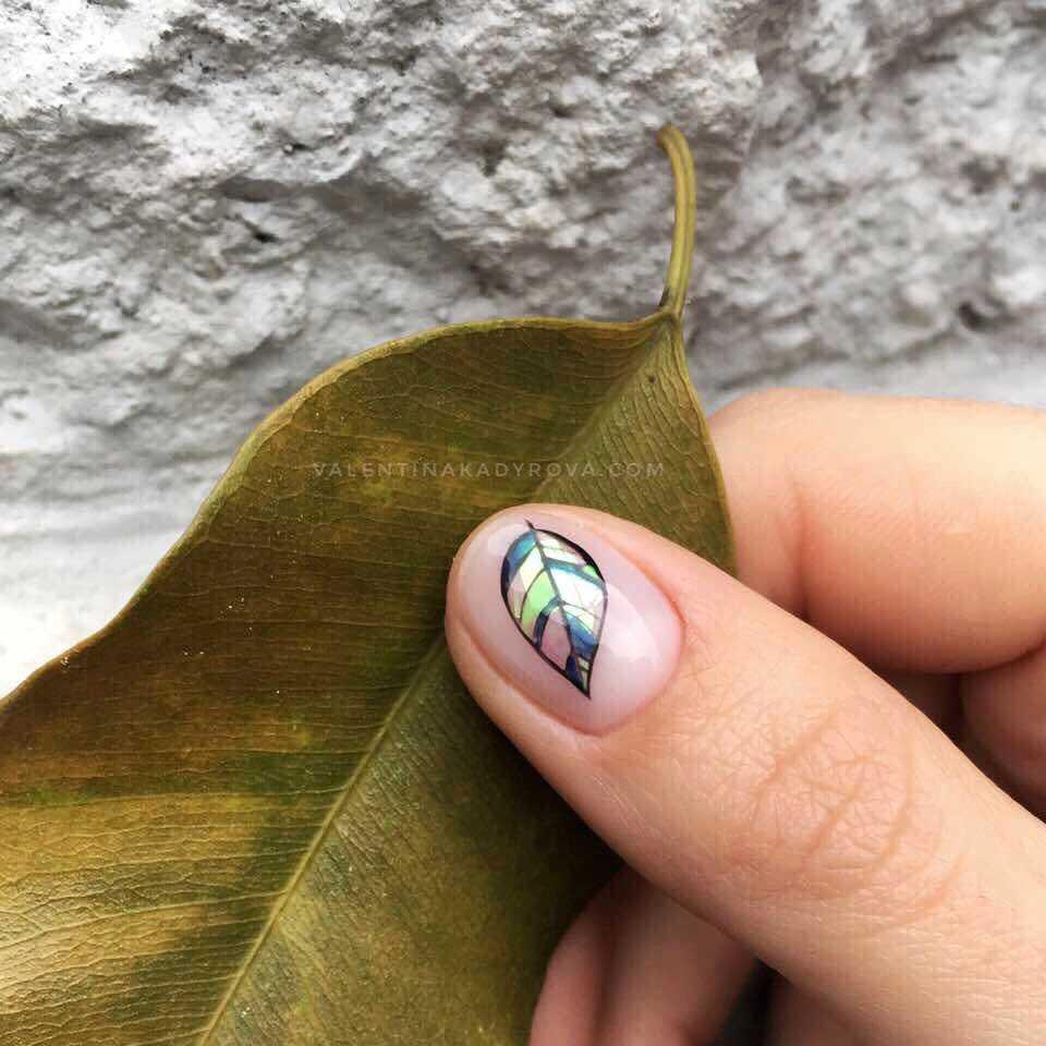 весенний маникюр на маленькие ногти