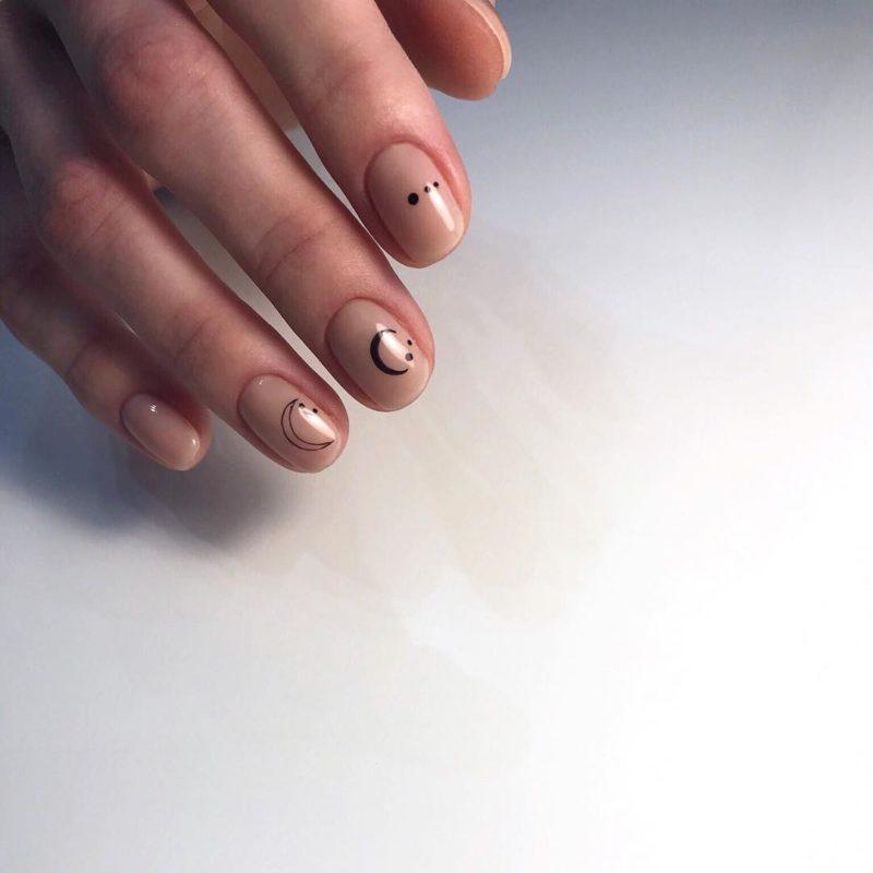Простой маникюр на короткие ногти
