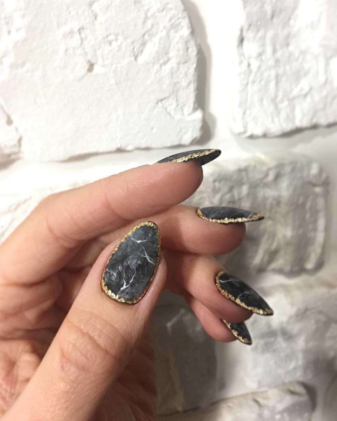marble manicure