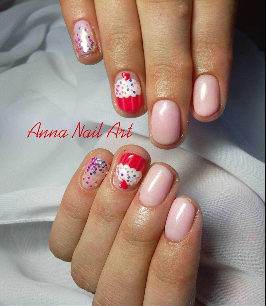 рисунки кексов на ногтях