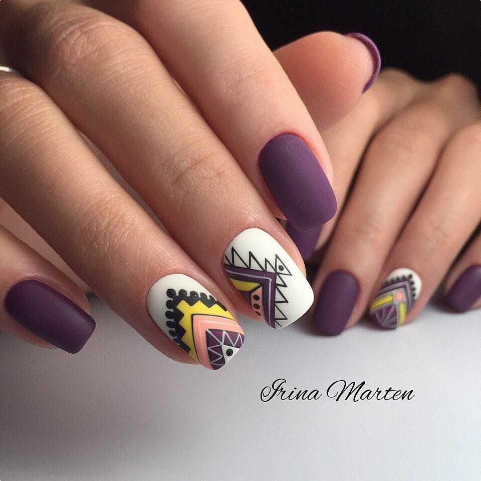 фиолетовые ногти с желтым