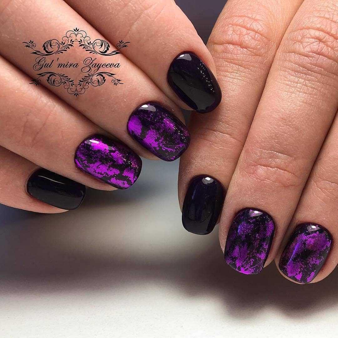 фиолетовые ногти с черным