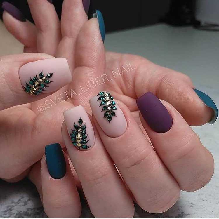 фиолетовые ногти психология