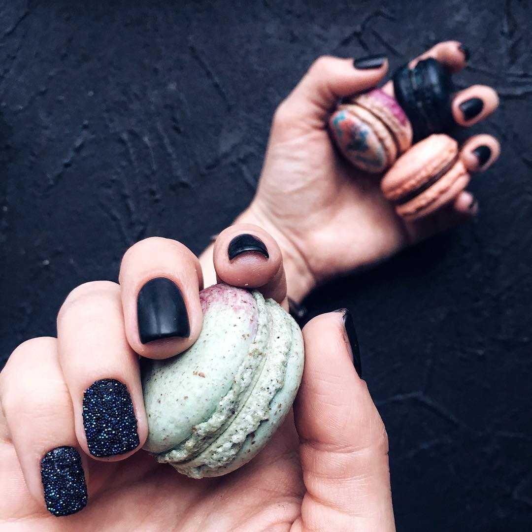 как красиво и четко сфотографировать дизайн ногтей связано