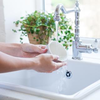 Чем мыть посуду экологично?