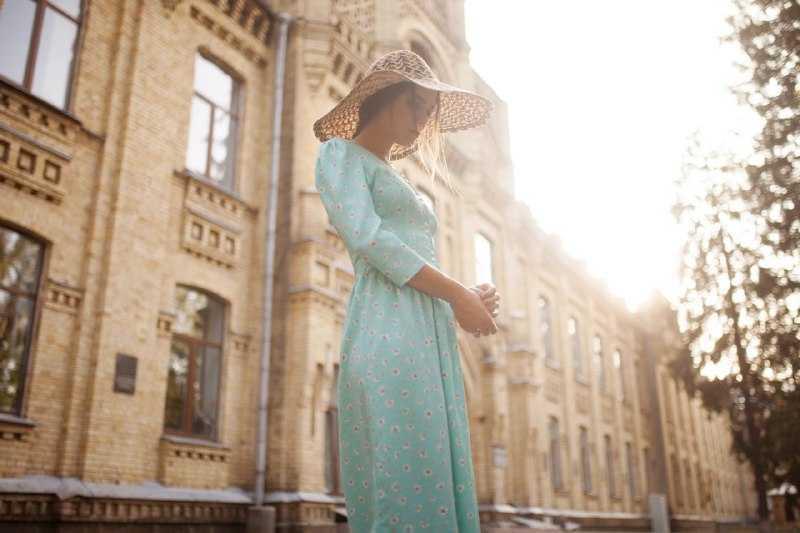 Винтажное платье в цветочек
