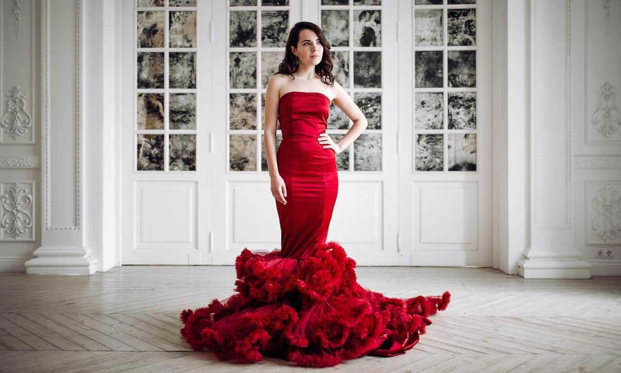 Платье фасона русалка
