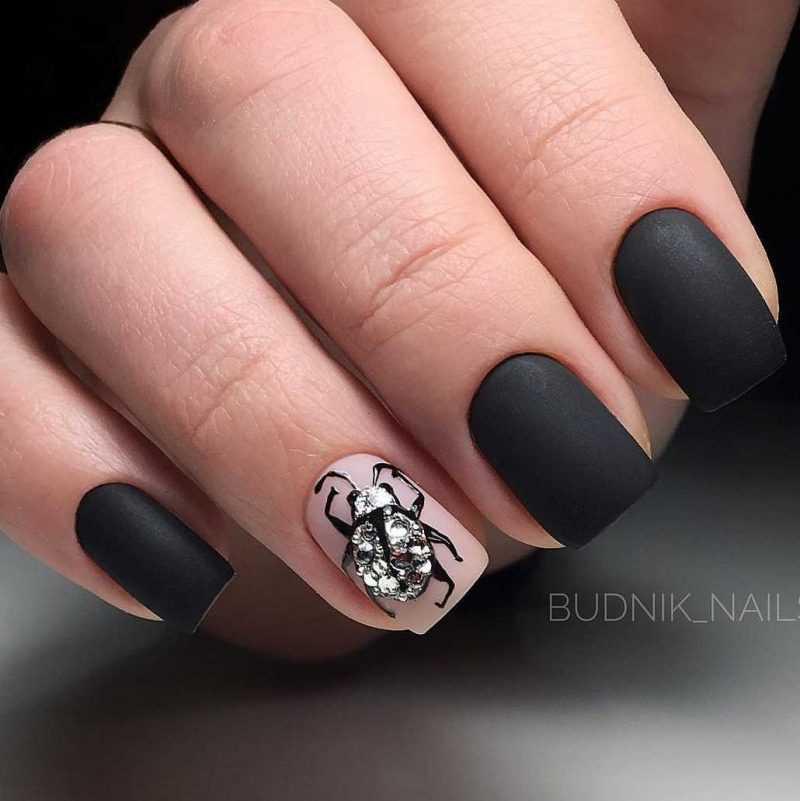 black-nails-130