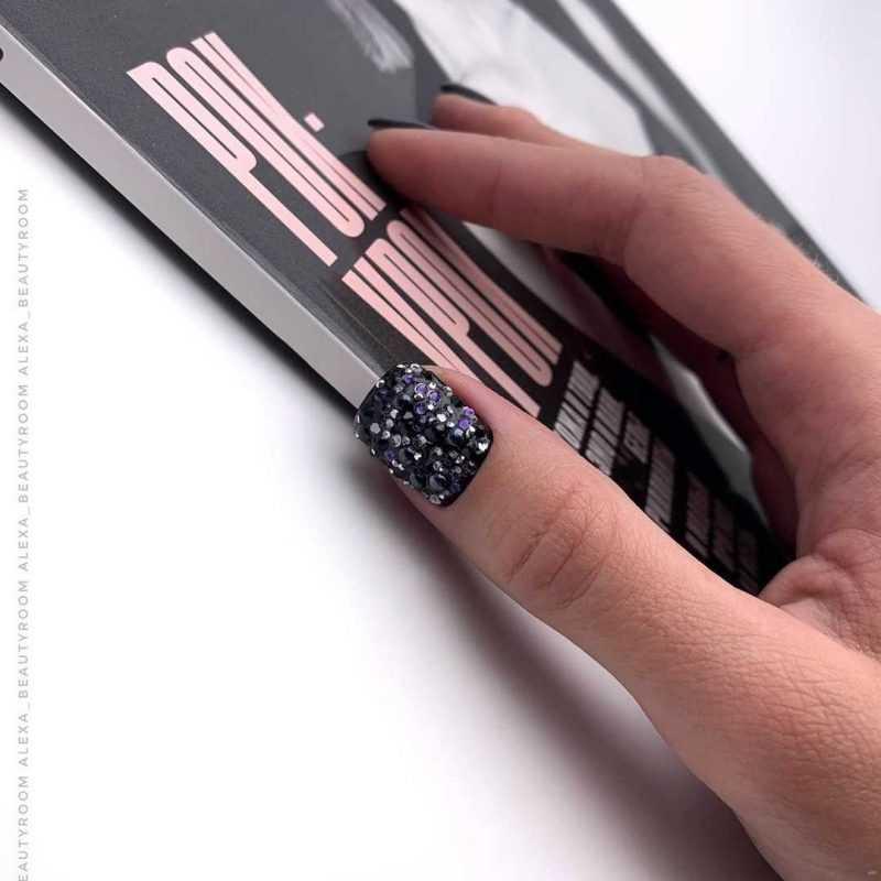 black-nails-133