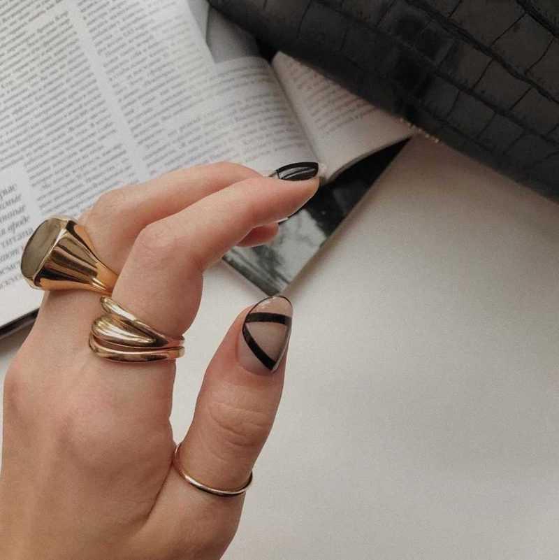 black-nails-134