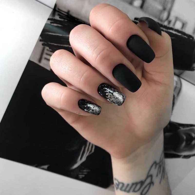 black-nails-40