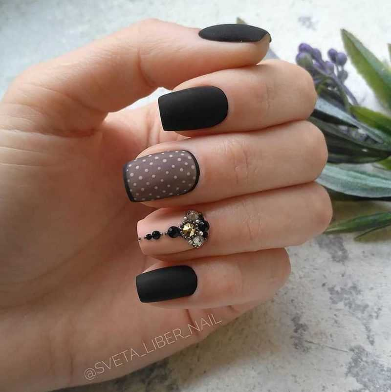 black-nails-82
