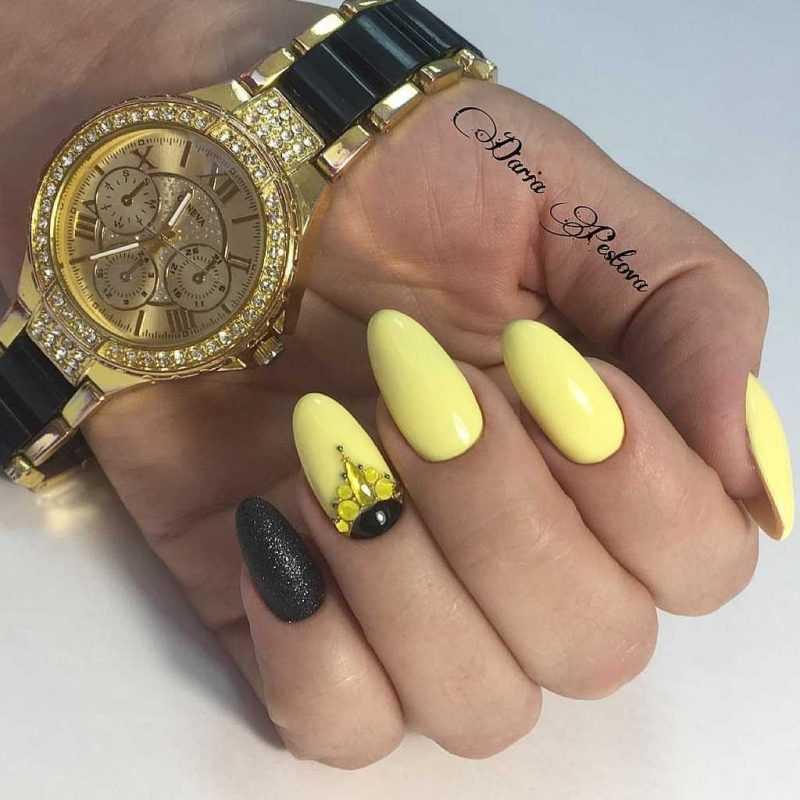 black-nails-86