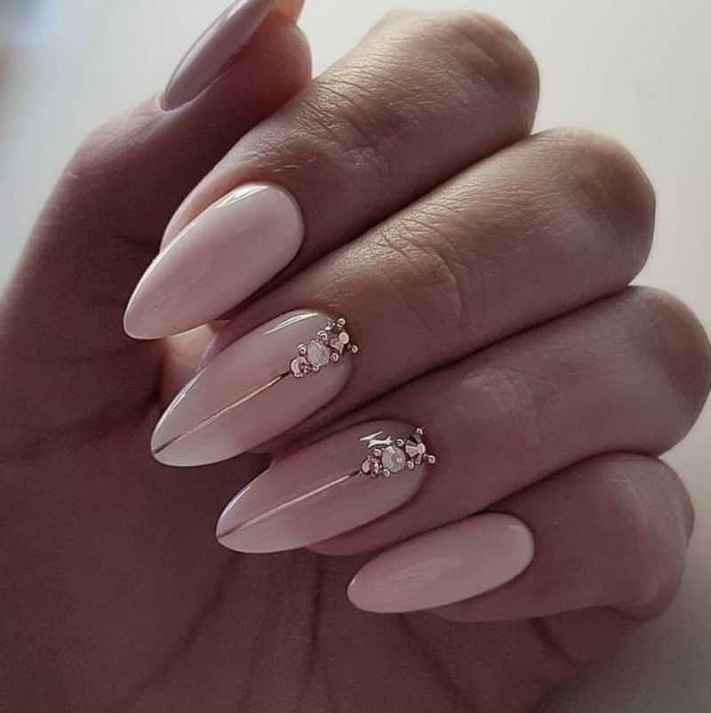 delicate-nails-106