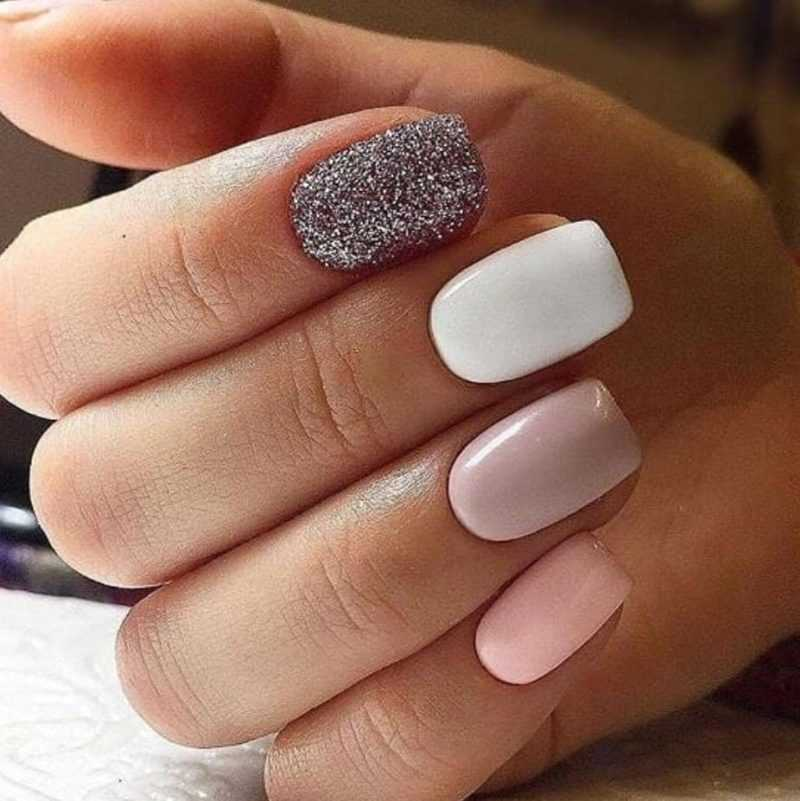 delicate-nails-107