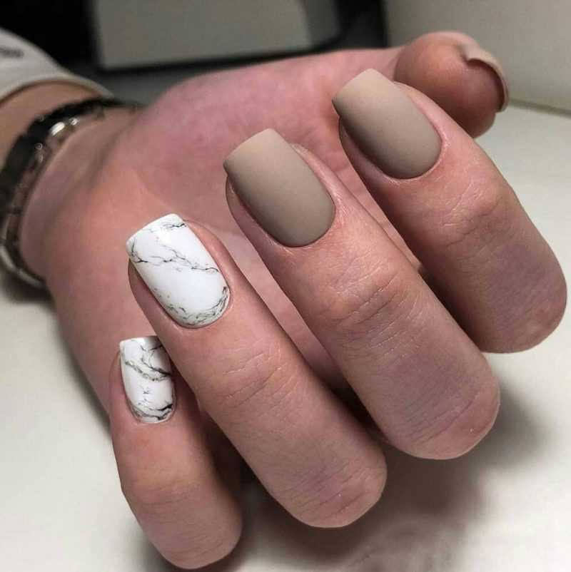 delicate-nails-109