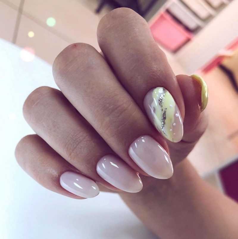 delicate-nails-110