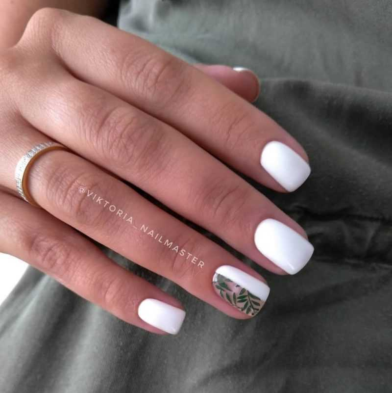 delicate-nails-113