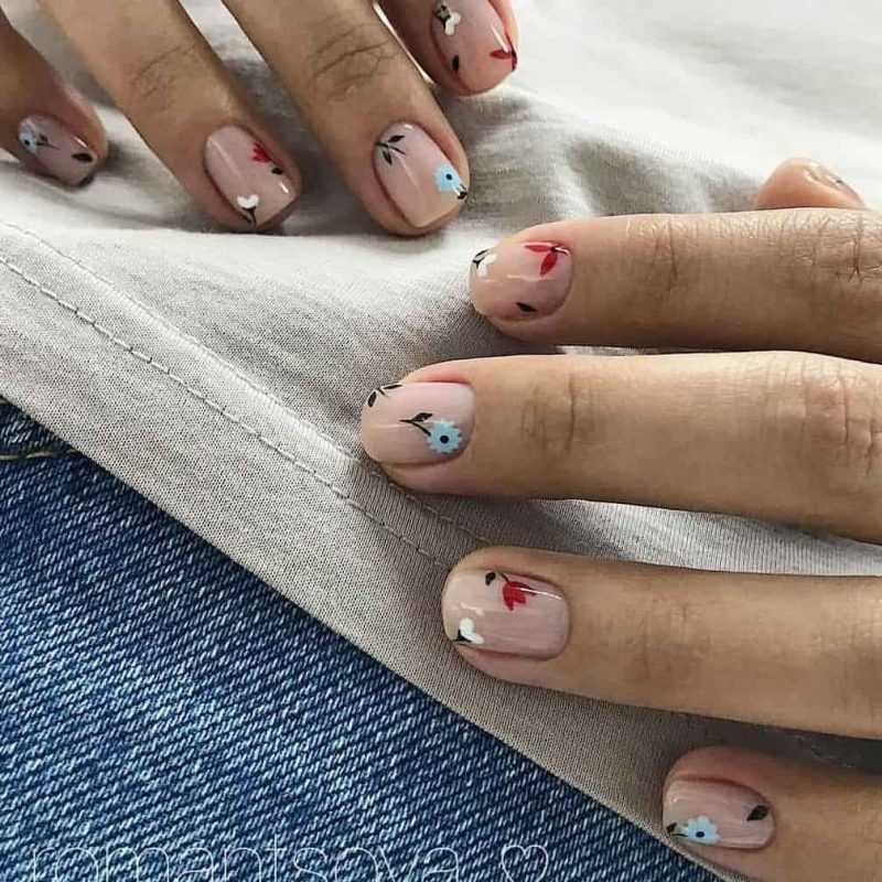 delicate-nails-116