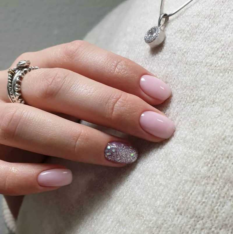 delicate-nails-119