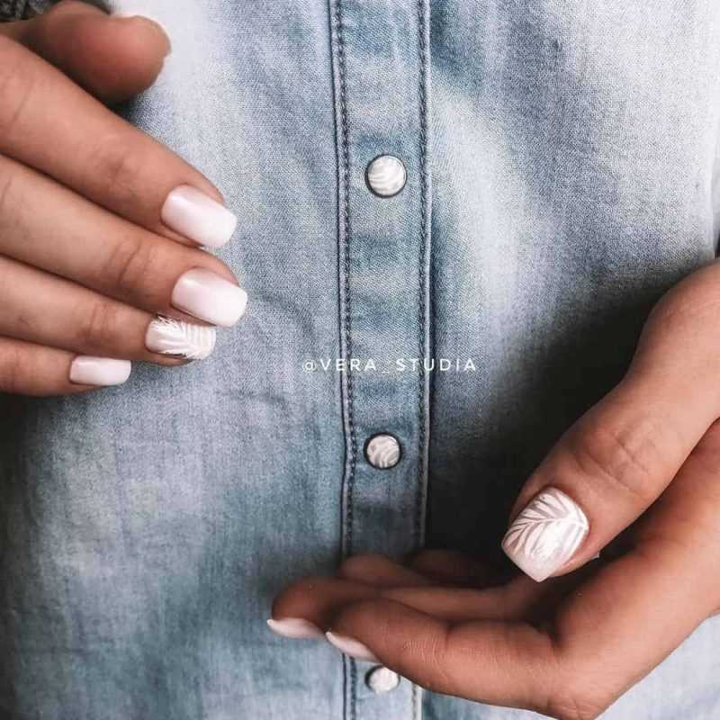 delicate-nails-127
