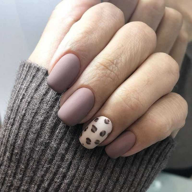 delicate-nails-131