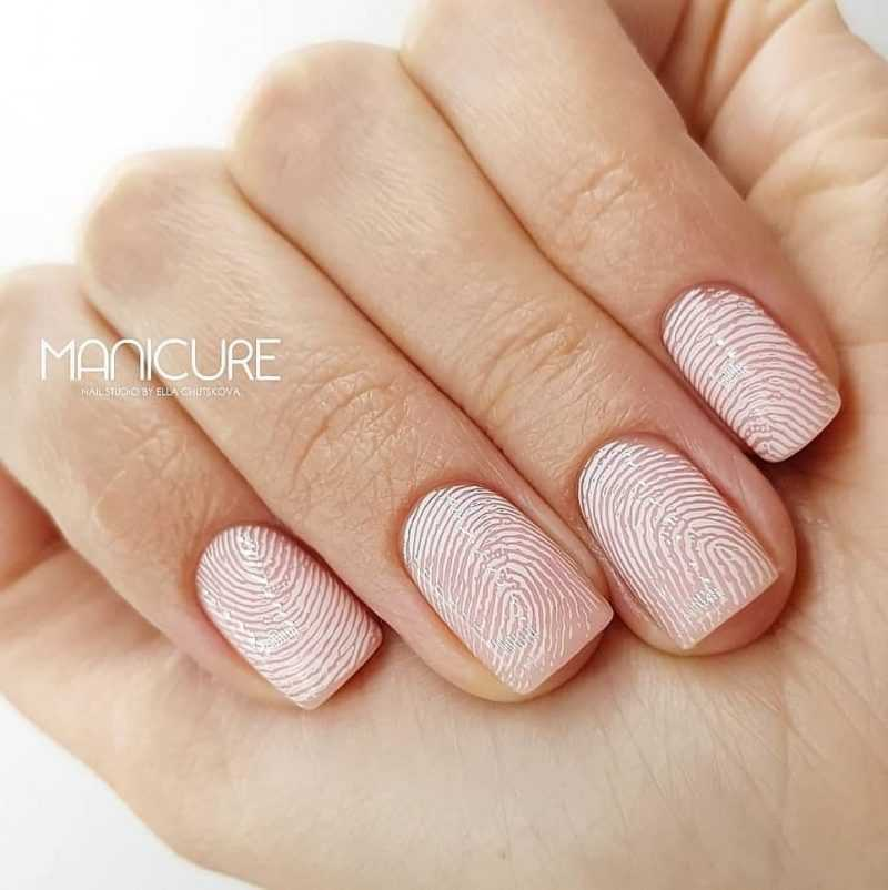 delicate-nails-135