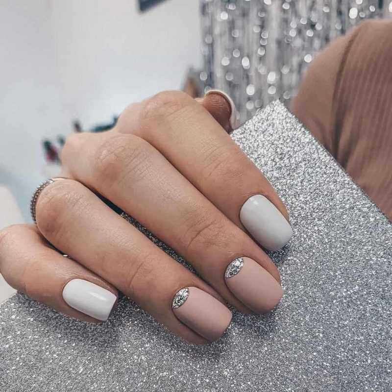 delicate-nails-151