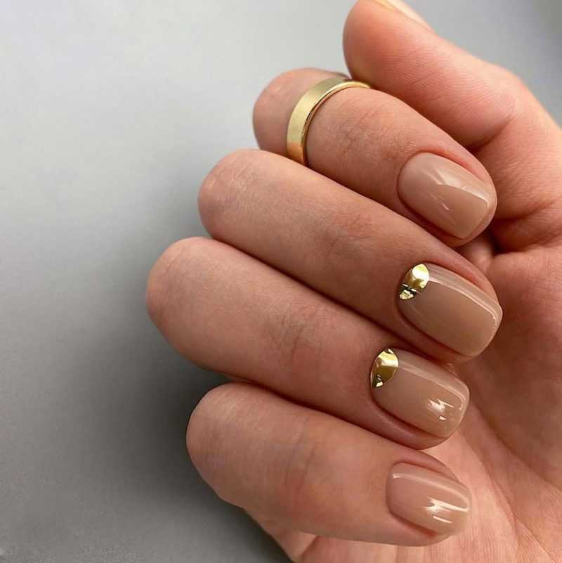 delicate-nails-65