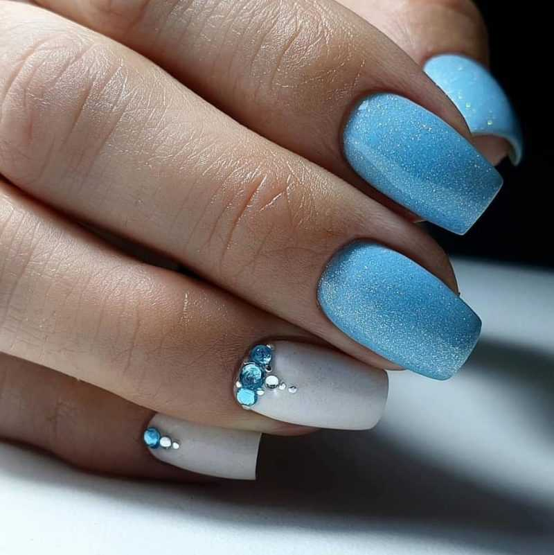 delicate-nails-79
