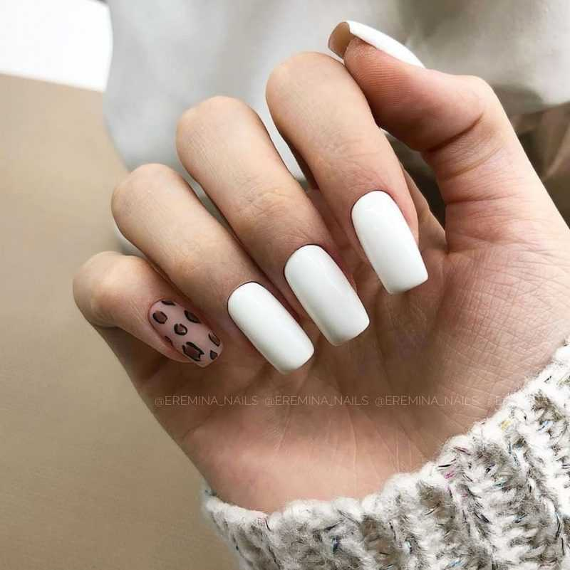 delicate-nails-83