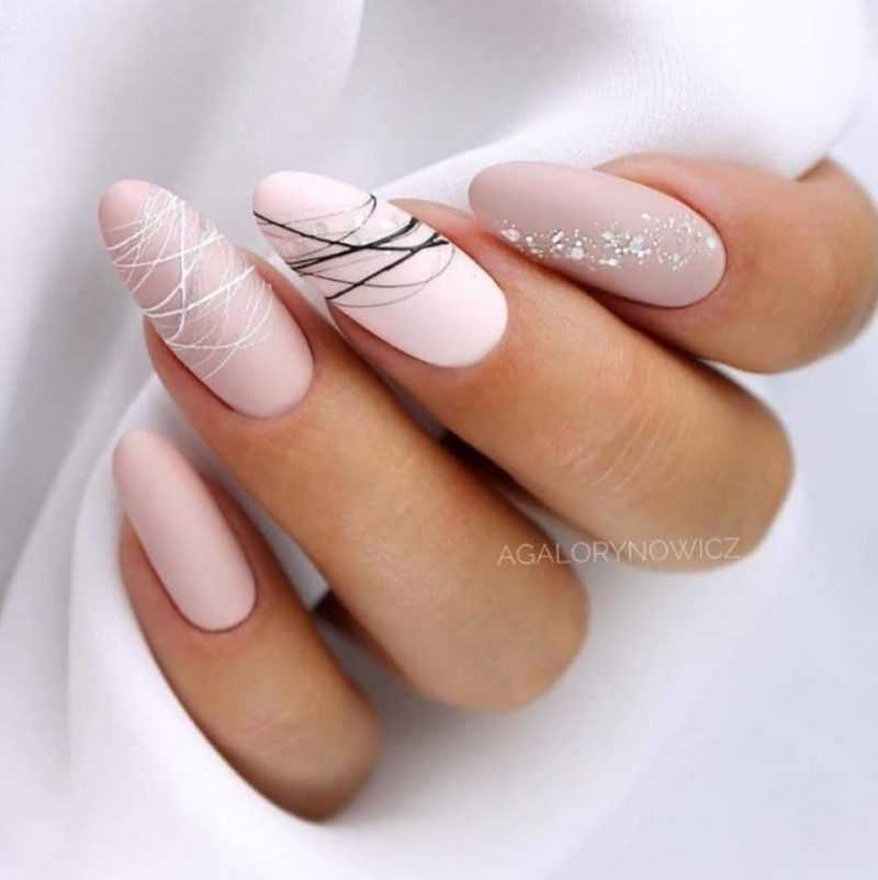 delicate-nails-84