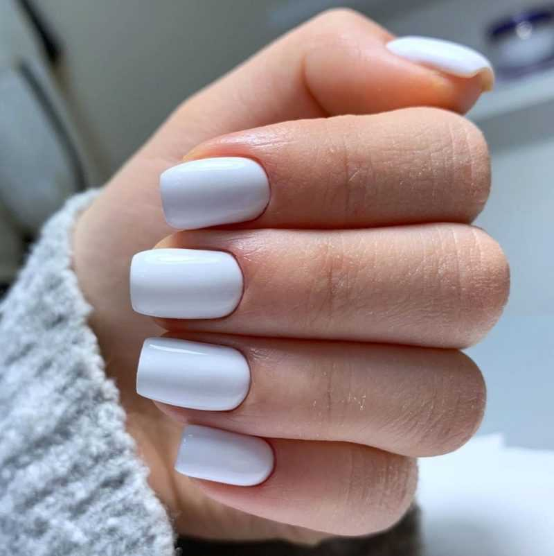 delicate-nails-90