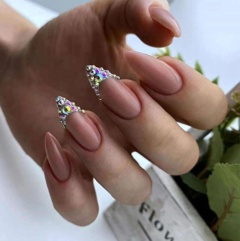 delicate-nails-92