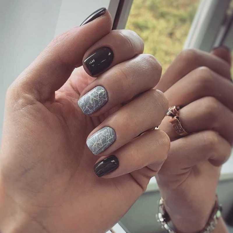 grey-nail-106