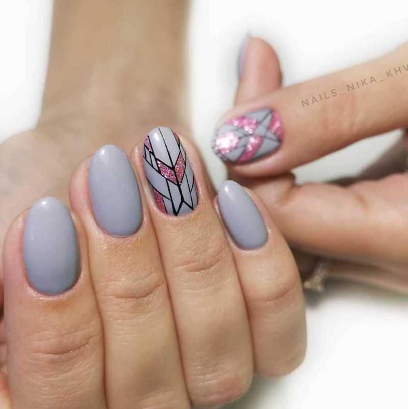 grey-nail-107