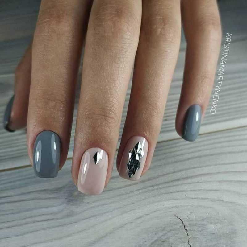grey-nail-126