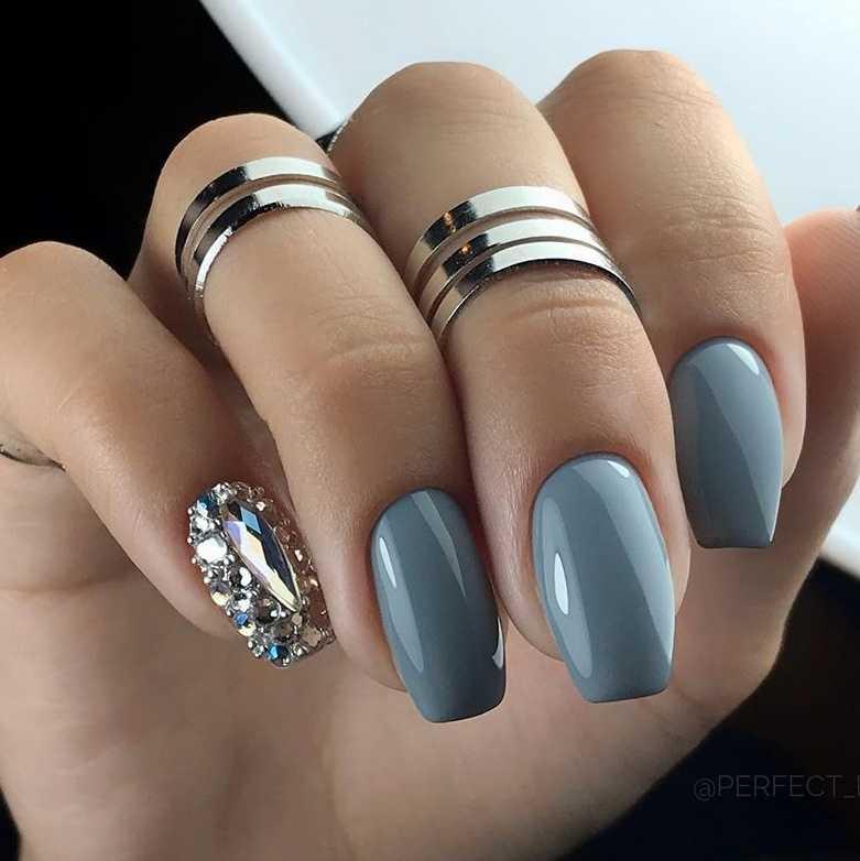 grey-nail-12