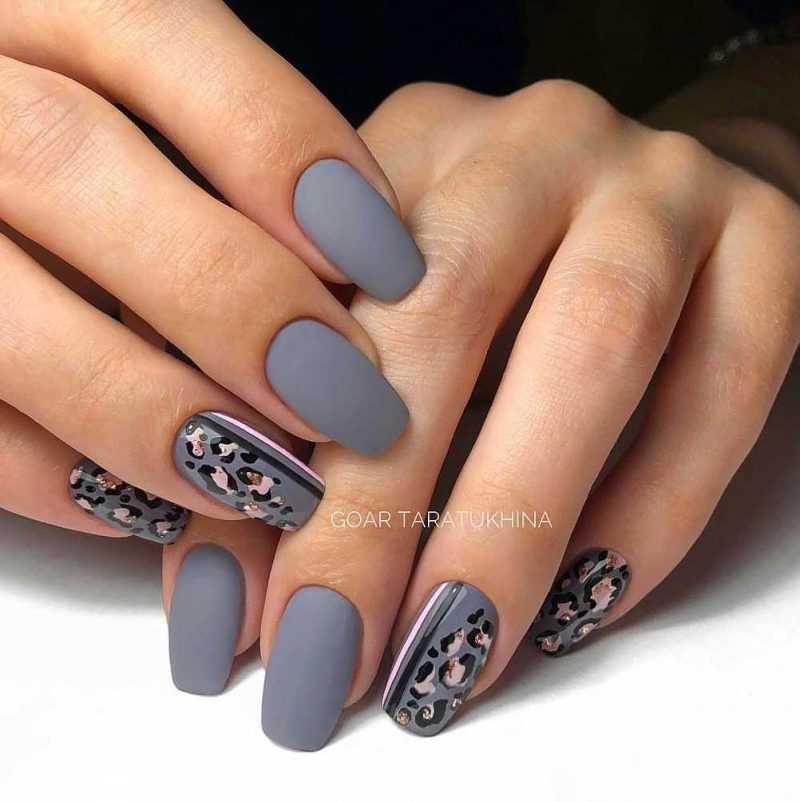 grey-nail-142