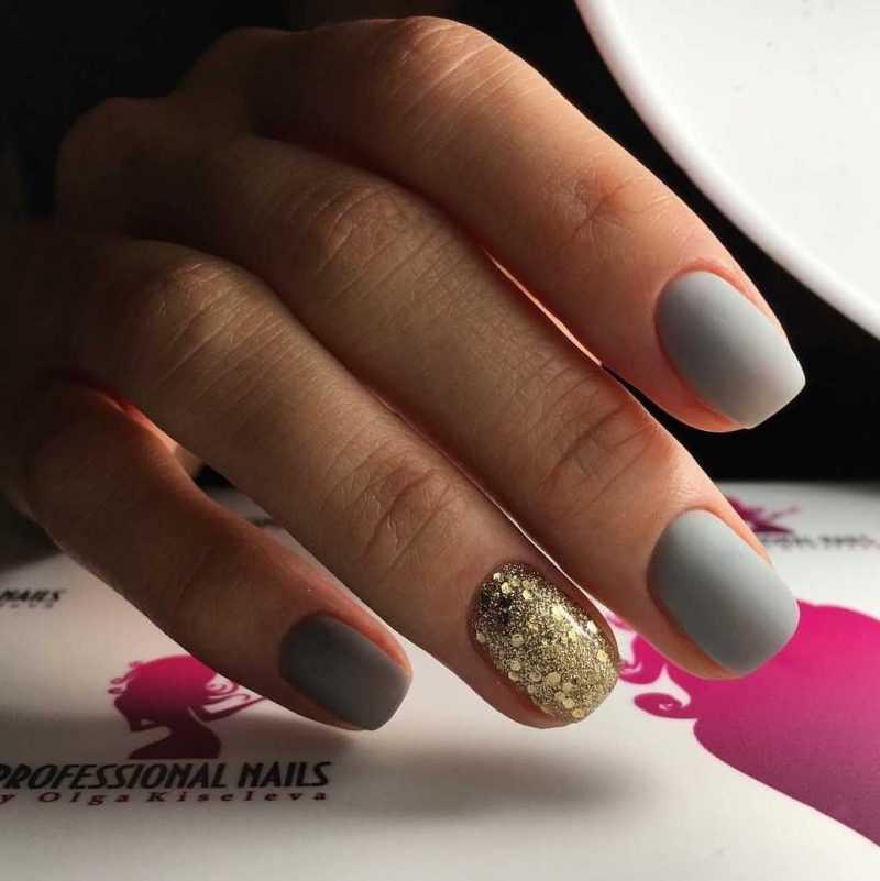 grey-nail-23