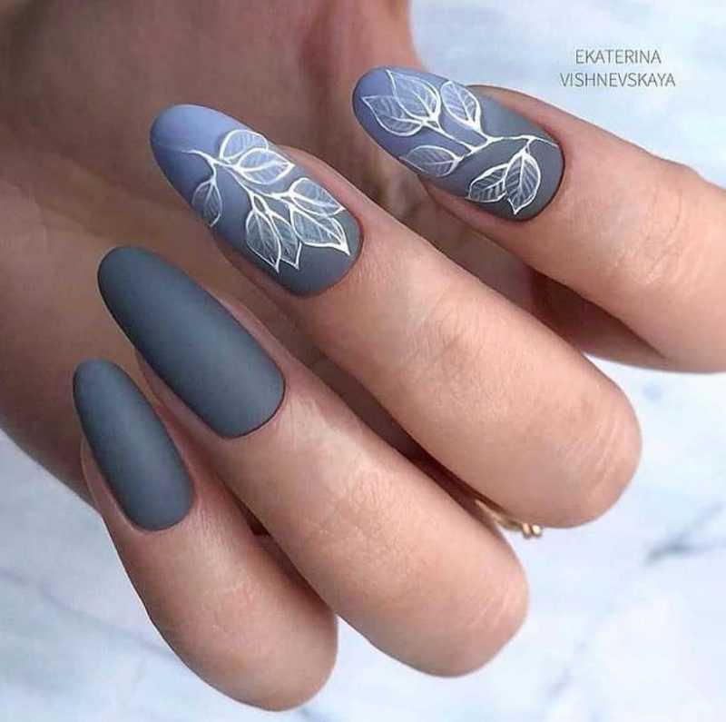 grey-nail-31