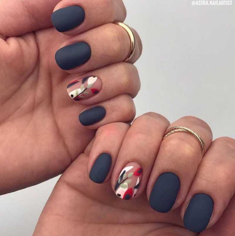 grey-nail-37
