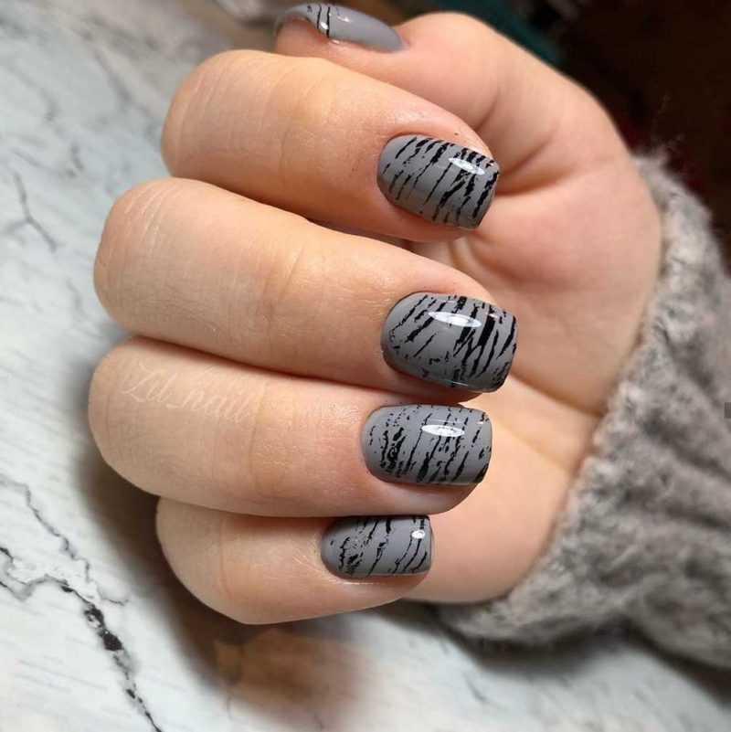 grey-nail-53