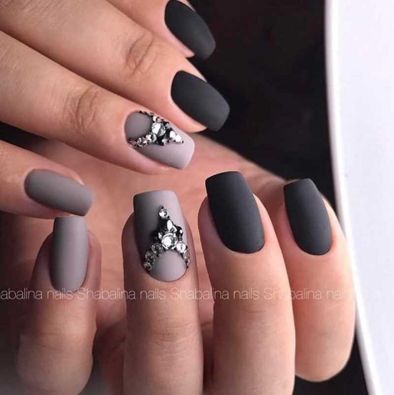 grey-nail-58