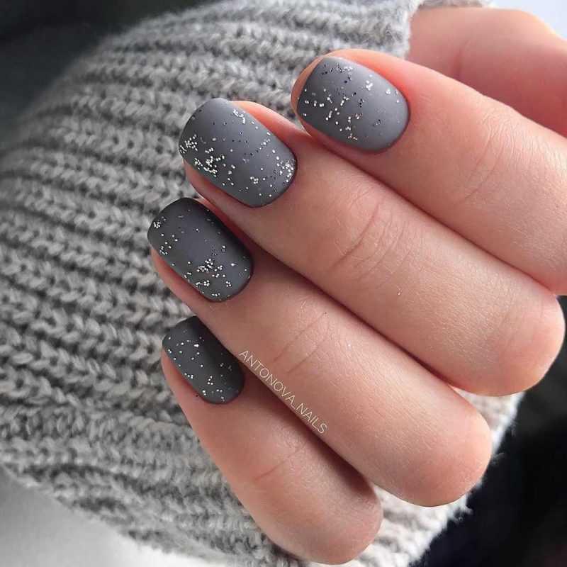grey-nail-9