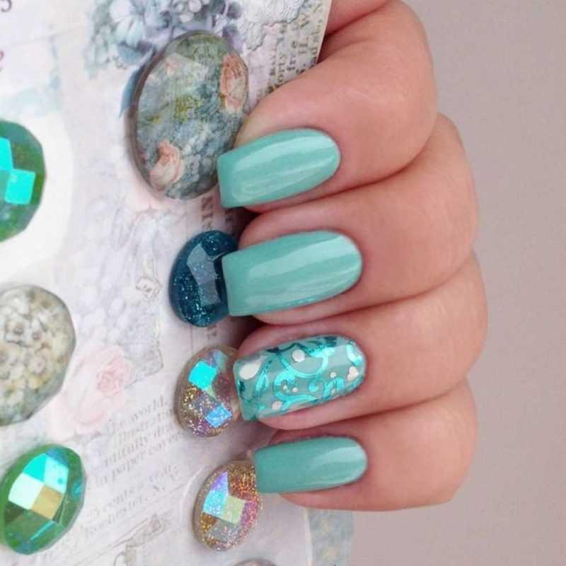 mint-nail-104