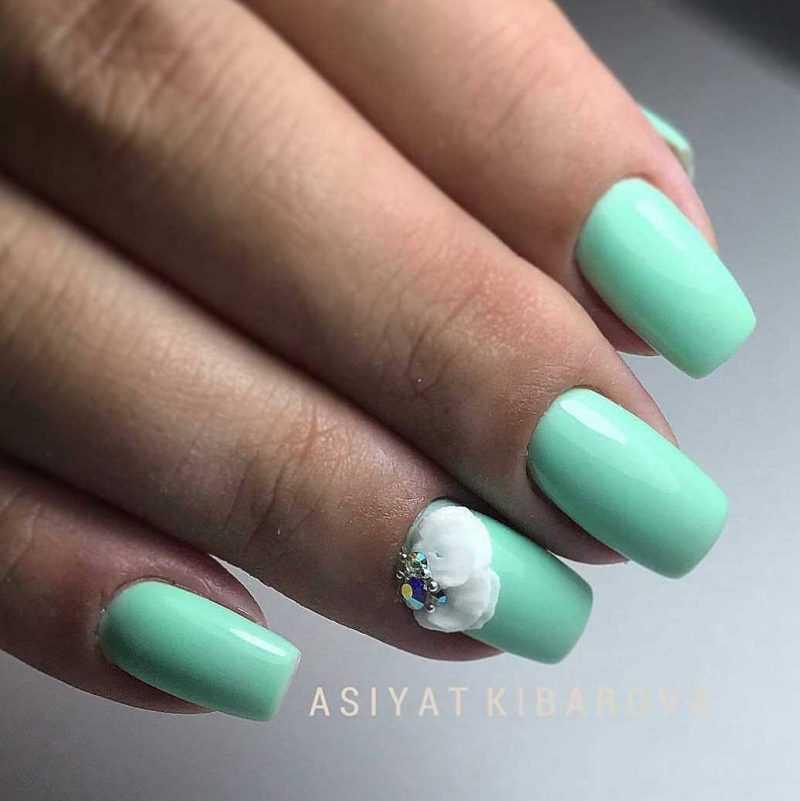 mint-nail-107