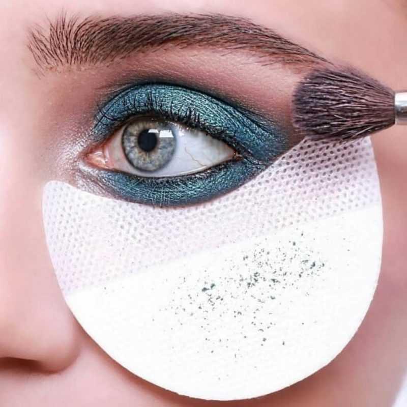 Голубые тени для глаз
