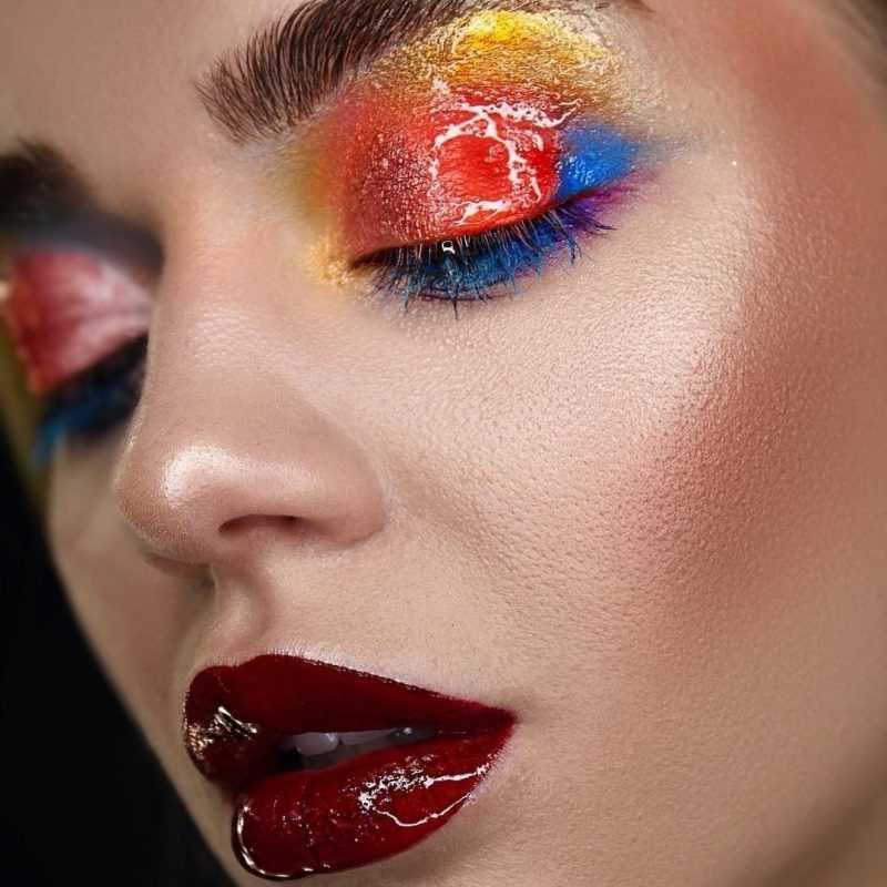 Яркий макияж от визажиста